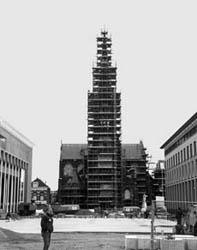 De Liduina Basiliek in de steigers